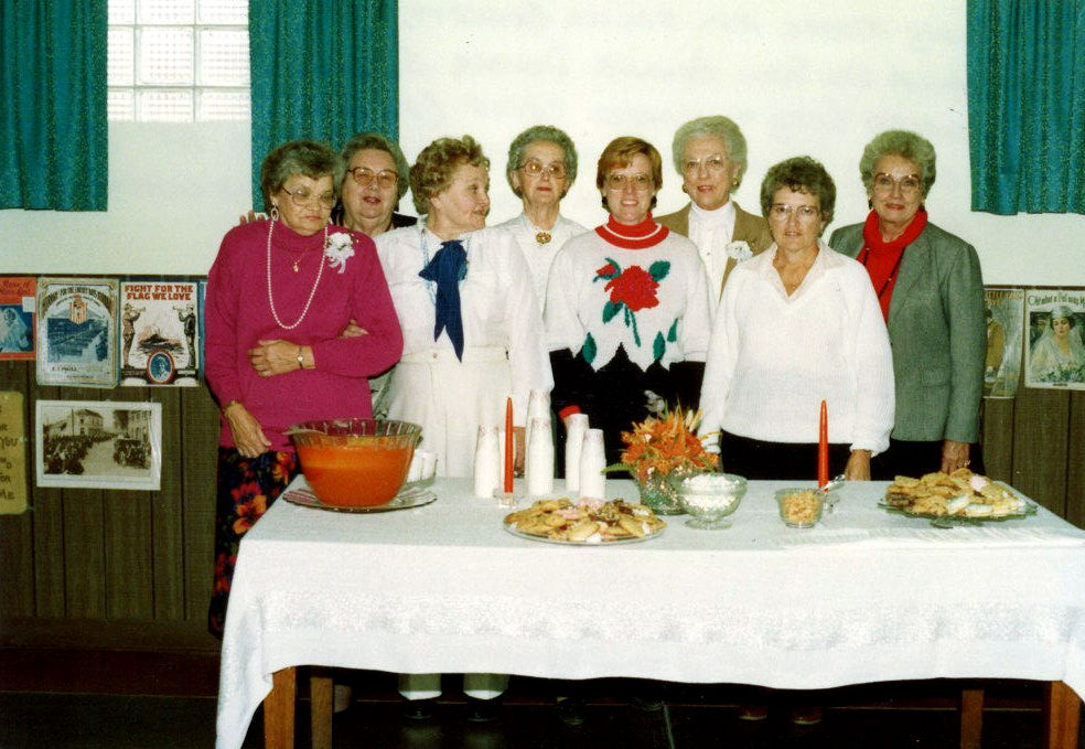 75th - Hostesses